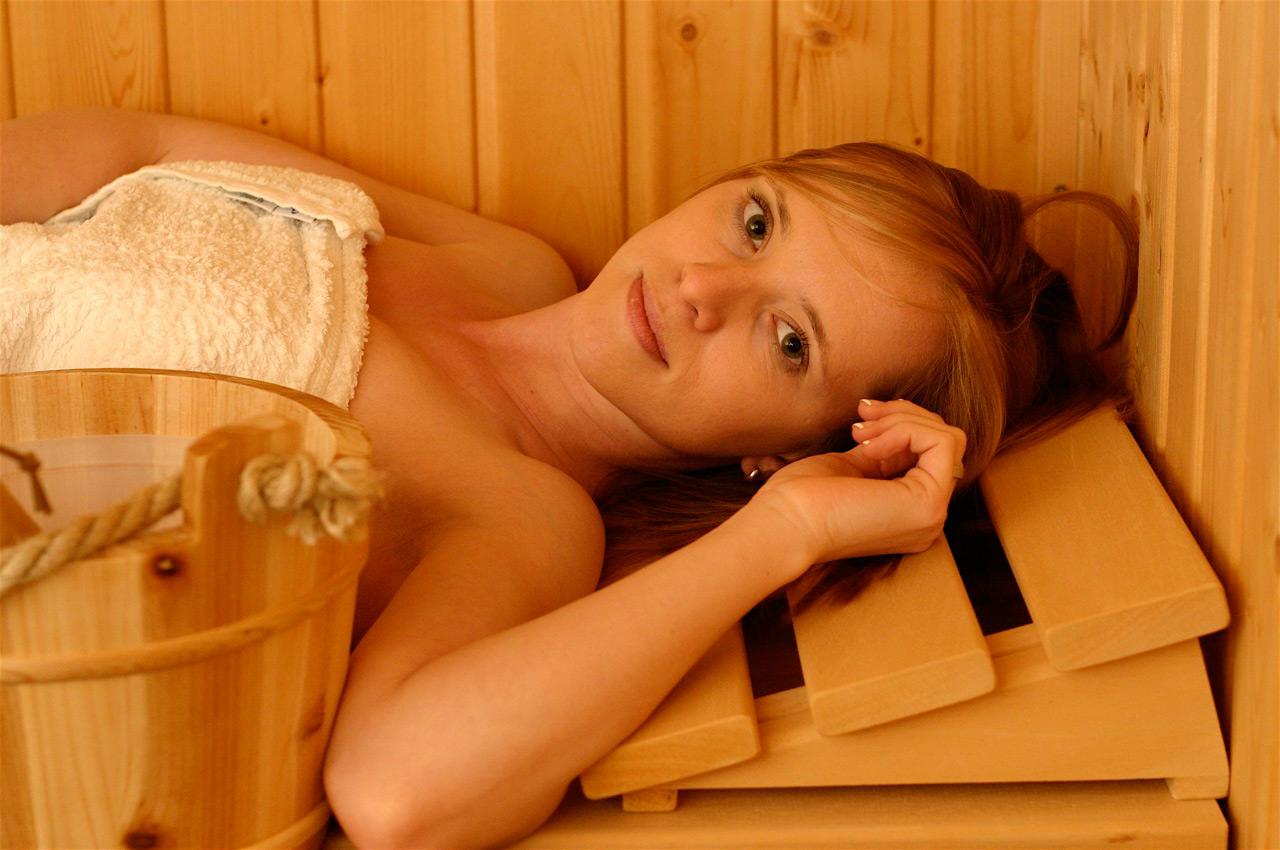 Женщины голые баня Вами