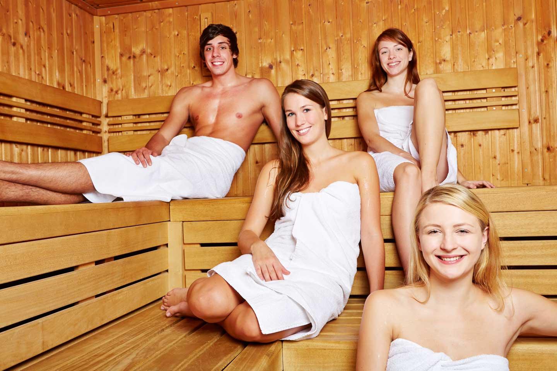 Фото девушек с парнями в бане 23 фотография